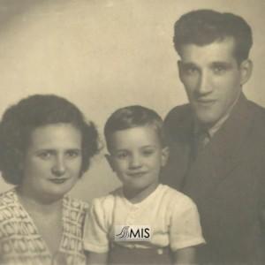 Retrato de Matilde Zunzunegui Freire co seu marido e fillo