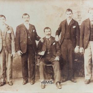 Retrato dos 5 irmáns Besada Fontaíña.