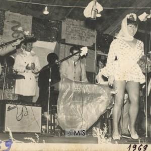 Actuación no Entroido de Castro Barreiro