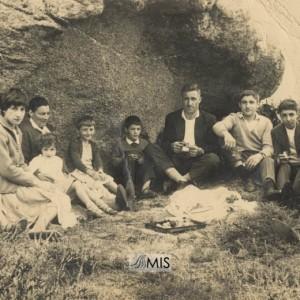 Carmen Domínguez Nogueiras coa súa familia na Romería de San Cibrán