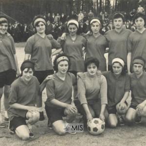 Equipo femenino de fútbol dos barrios do Barreiro e A Feira.