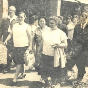Isabel Cabaleiro Fernández xunto con varios emigrados en Worms (Alemaña)