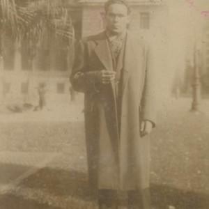 "Retrato do emigrante de Parderrubias e gaiteiro José Farrapeira ""O Saltón"" (1952)."