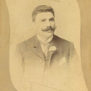 Retrato de estudio de Joaquín Alonso