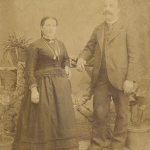 Retrato de estudio de Ramón Troncoso Bargiela e súa dona, María Presa