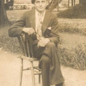 Retrato de Victorino Alonso Zugasti, no Balneario de Caldelas