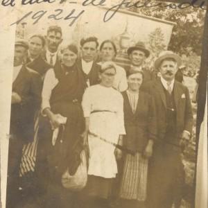 Retrato de grupo realizado en Santa María de Salceda (1924)